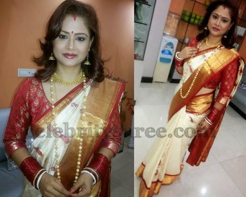 Shilpa Chakravarthy Cream Traditional Sari