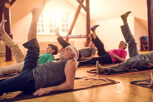 Instrutores devem investir no Pilates para Idosos
