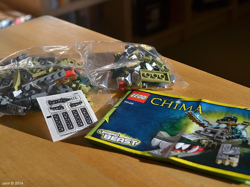 lego chima legend beast crocodile - inside the box