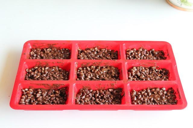 barrette energetiche con cioccolato, riso soffiato e bacche di goji
