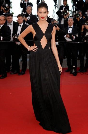 68 Festival de Cannes - Sara Sampaio carpete vermelha