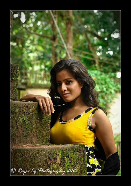 Srilankan Most Hot Girls Mix Photos