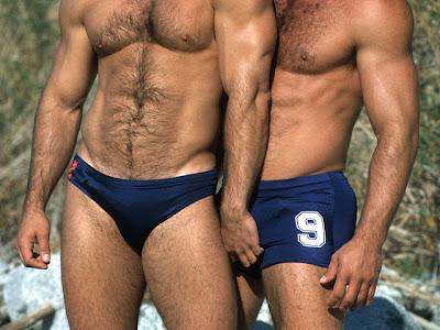 Hot men in their pants.: Bulge Grabbing Buddys