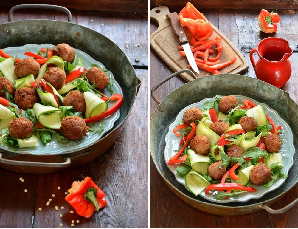 polpettine di vitello fritte con insalata di zucchine e peperoni  ~