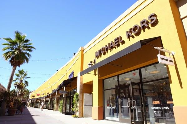 d5f4ffc4f0e Turistang Barat  Last Minute Shopping   Las Americas Premium Outlets