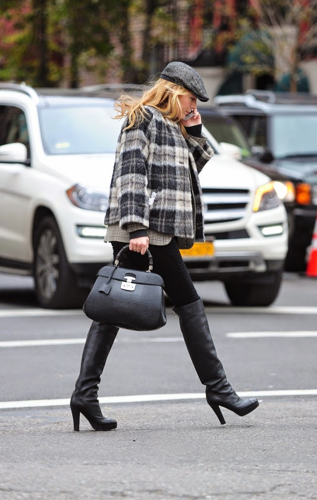 Street Style: Blake Lively: a pregnant