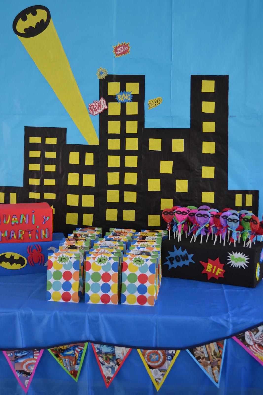 Decoracion Gotica Para Fiestas ~ Andrea forr? cajas con goma eva, para usar de base para los
