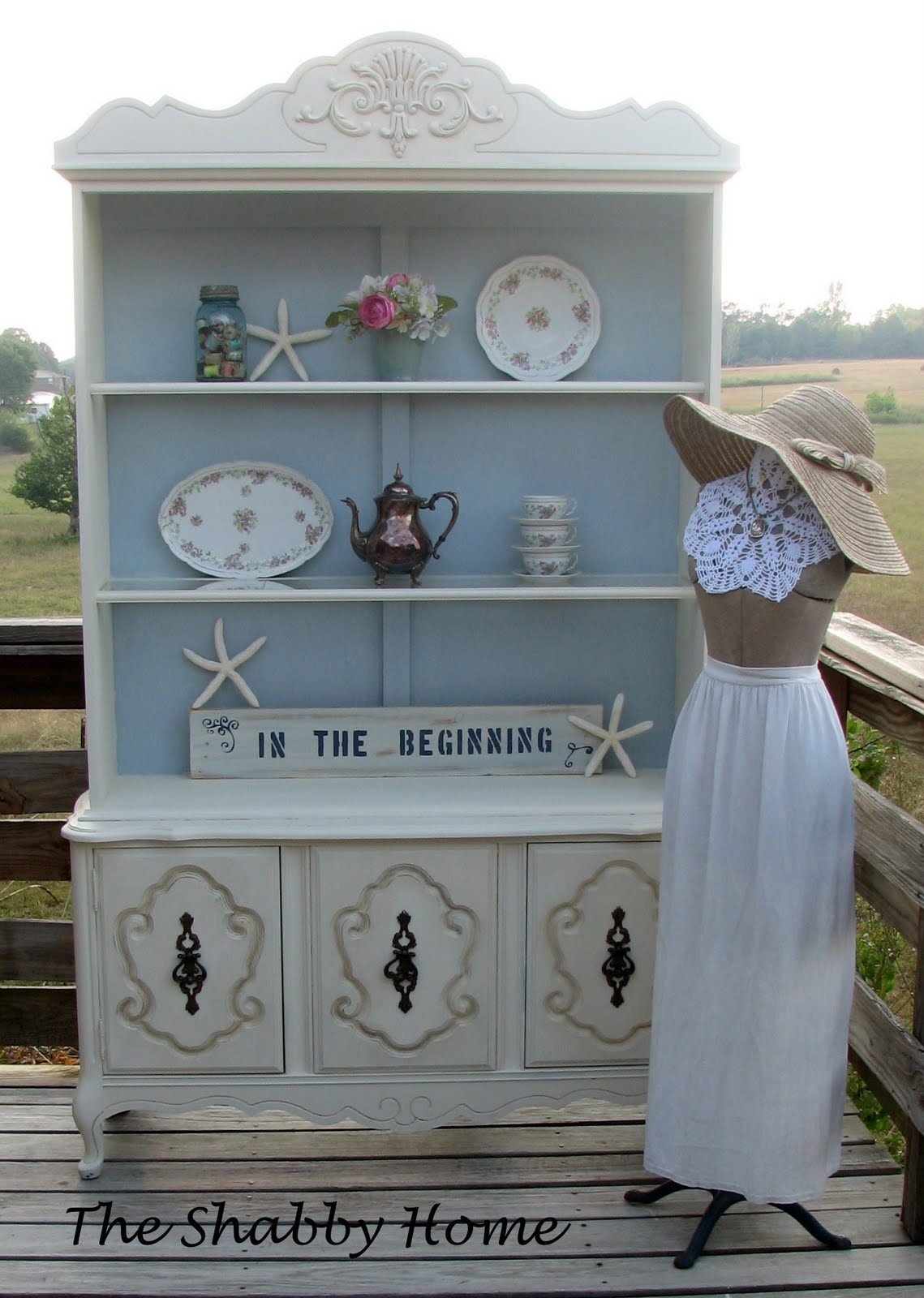 the shabby home french cabinet white blue. Black Bedroom Furniture Sets. Home Design Ideas