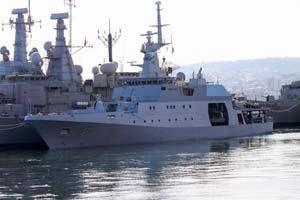 http://www.armada.cl/armada/noticias-navales/patrullero-de-la-armada-de-colombia-recalo-a-valparaiso/2014-12-29/162852.html