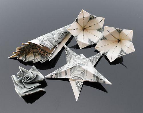http://4.bp.blogspot.com/-EGV5hfS_mIc/Th5pWHPD8bI/AAAAAAABG1c/QddRcNGE06M/s1600/dollar_origami_art_09.jpg