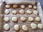 Paleuri fursecuri cu crema preparare reteta - in tava, tocmai scoase din cuptor