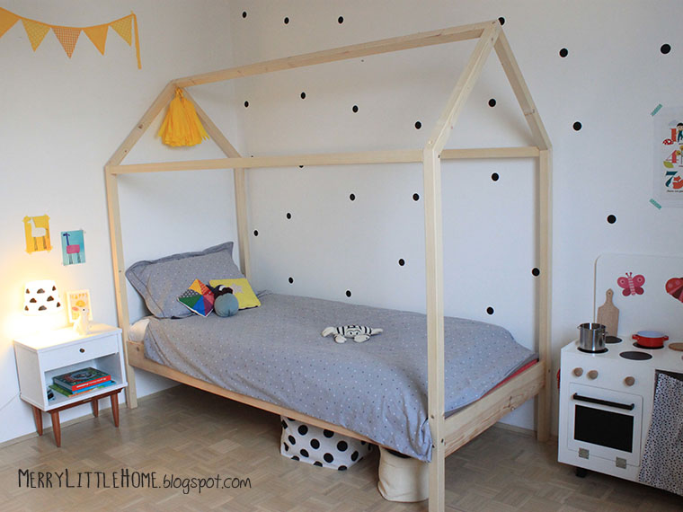 et nuhsitez pas me dire ce que vous pensez de son lit maison with jet de lit maison du monde. Black Bedroom Furniture Sets. Home Design Ideas