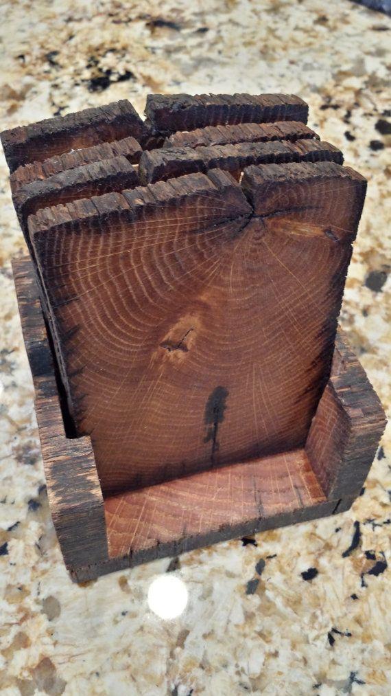 Apoio de copos de resto de madeira