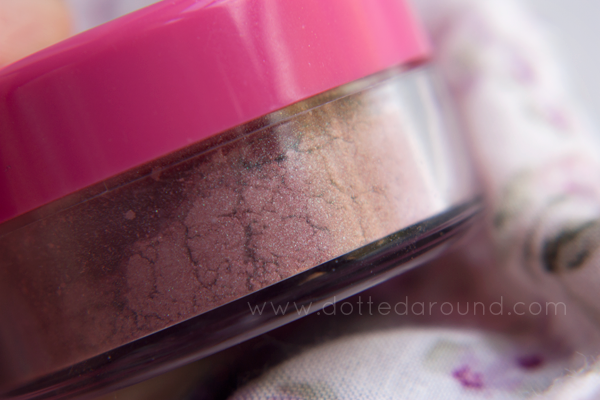 Neve Cosmetics Urban fairy blush