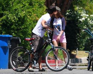 Victoria Justice Boyfriend Kissing