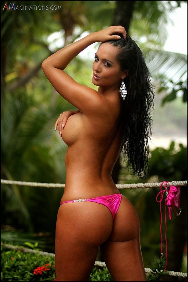 sexy naked women big nipples