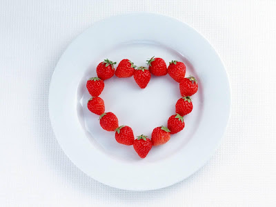 Love Strawberry Wallpaper