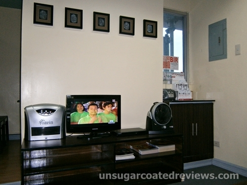 TV stand at Sambitan Dental Clinic