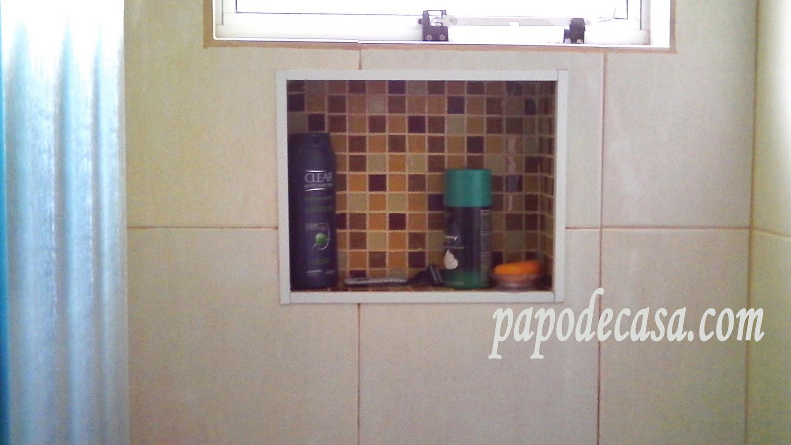 Nichos de pastilha no banheiro Decorações e Artes #396C92 1600x900 Banheiro Com Nicho Na Parede
