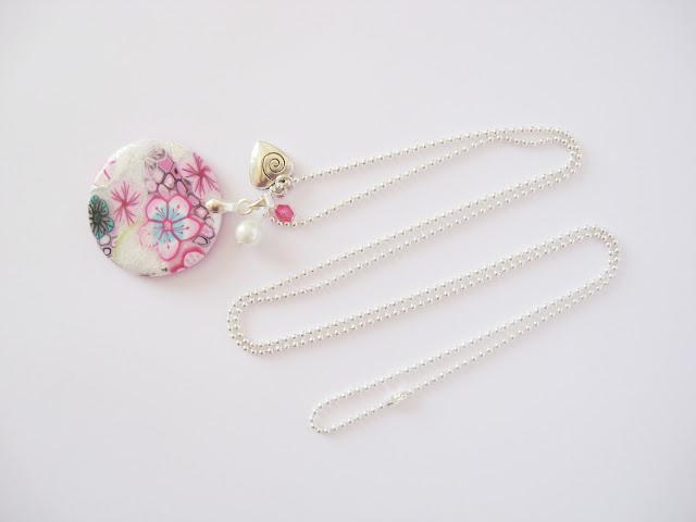 collier pendentif fleuri fleurs fait main