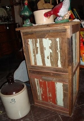 Pumpkin Hollow Primitives: Handcrafted Vintage Style