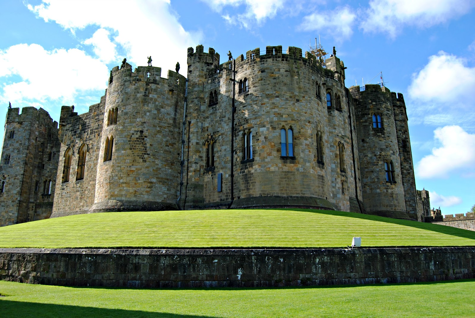 alnwick castle u0026 gardens sunderland eh