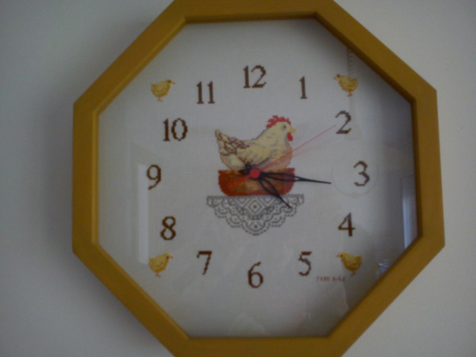 Punto de cruz patchwork leo cocinas - Relojes para cocina ...