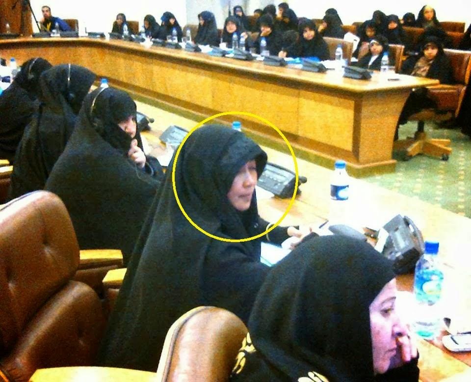 Emilia Renita mengikuti acara muslimah International
