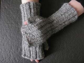 free knitting pattern ribbed mitts