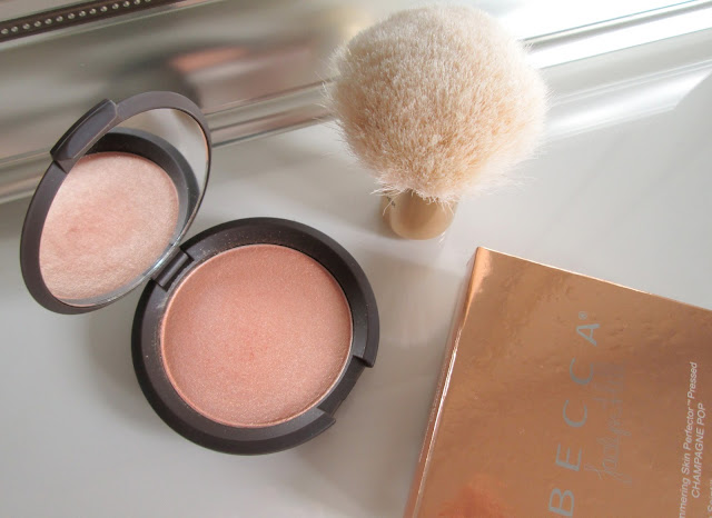 Review of Becca Highlight in Champagne Pop Collaboration with Jaclyn Hill