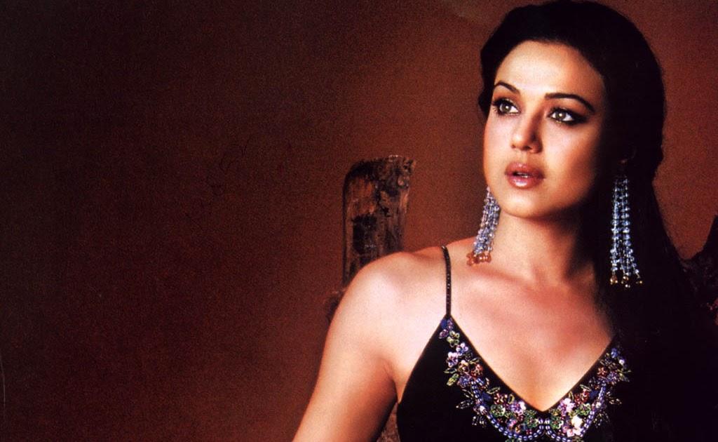 Preity Zinta Bikini Pics