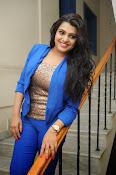 Tashu Kaushik Latest Glamorous Photos-thumbnail-12