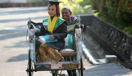 Raeni putri penarik becak dapat beasiswa ke inggris