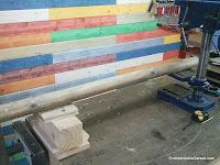 Soporte para nivelar el poste con la mesa del taladro de columna. www.enredandonogaraxe.com
