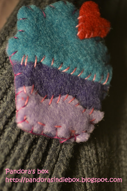 Handmade cupcake felt brooch