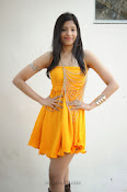 actress pragathi hot photos in yellow-thumbnail-10