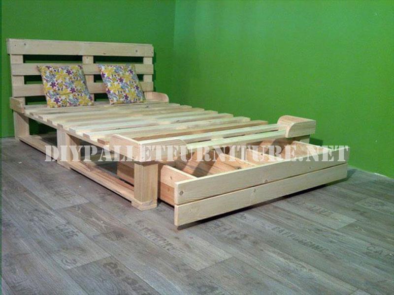 Estructura de cama con cajoneras for Camas con palets