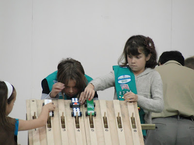 Powder Puff Pinewood Derby Race track for Girls: Girl Scouts