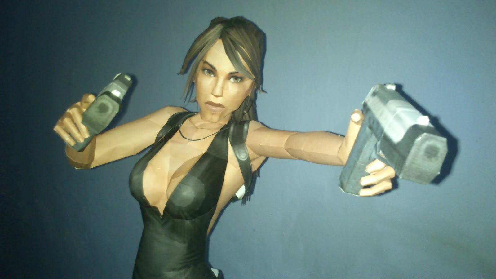 Tomb Raider Lara Croft Paper Model