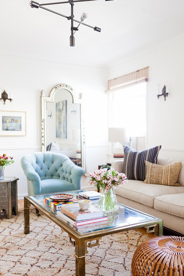 home-tour-a-young-designers-cheerful-eclectic-la-home-1519473.640x0c.jpg