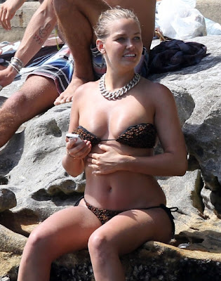 Lara Bingle Hot