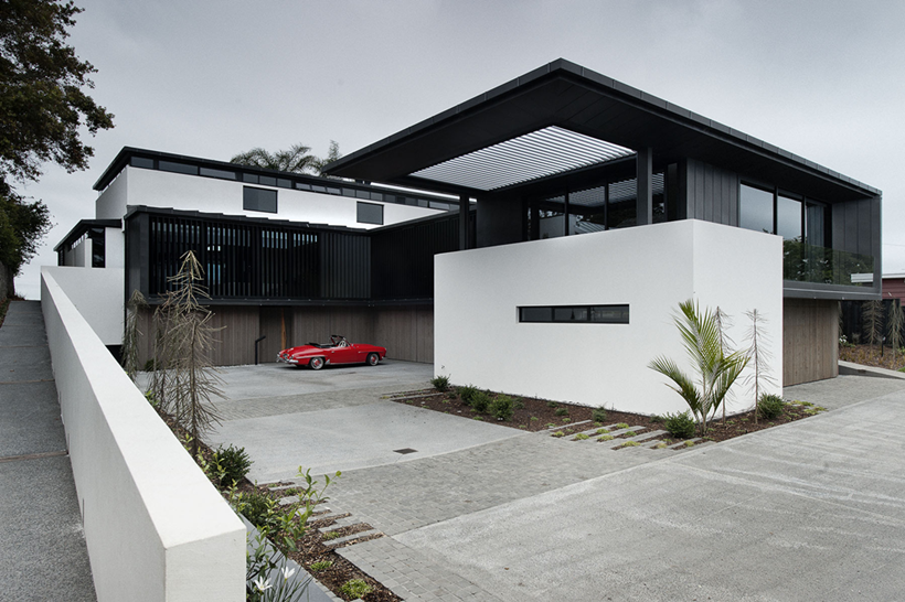 Front facade of Lucerne Residence in New Zealand