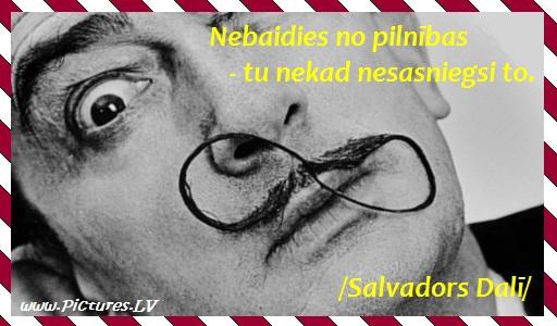 Salvadora Dalī seja ar interesantām ūsām