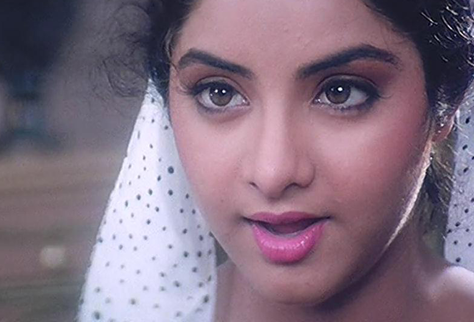 Tamil Actress Hd Wallpapers Free Downloads Divya Bharti Hd Wallpapers