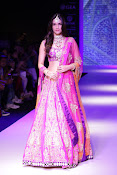 Kriti Sanon Latest Pictures at IIJW 2015-thumbnail-5