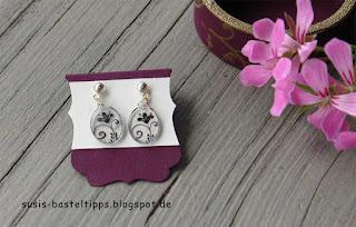 """Ohrringe aus Schrumpffolie, gestanzt mit Curvy Keepsake Anhängern von Stampin Up, auf display  """"dekoratives Etikett"""""""
