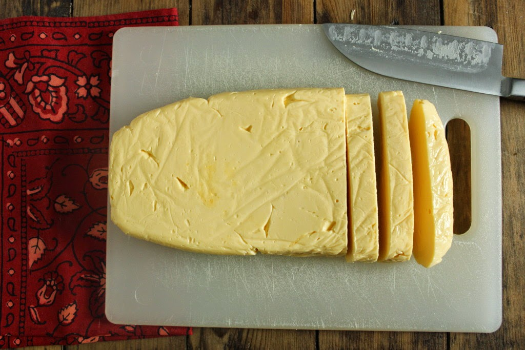 Featured Recipe | DIY Velveeta Cheese from The Texan New Yorker #recipe #copycat #cheese #Velveeta #SecretRecipeClub