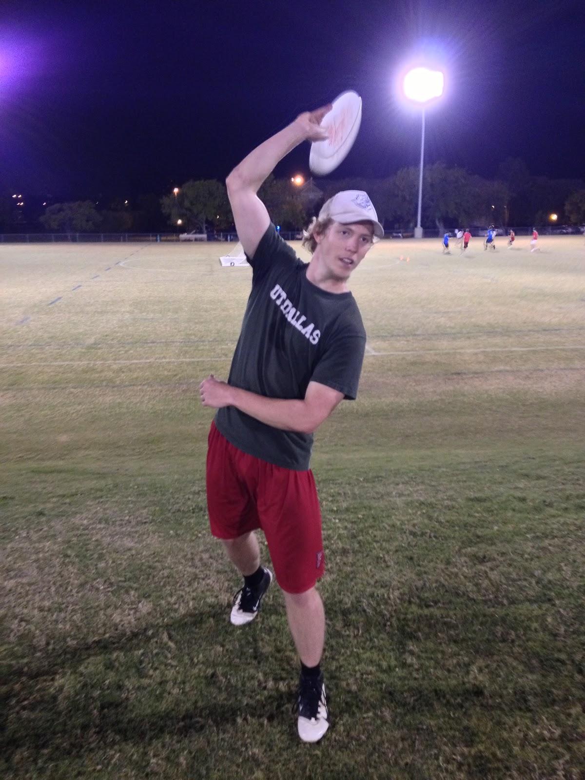 Hammer throw frisbee