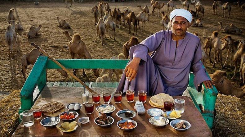 Fascinantes retratos de personas alrededor del mundo y lo que comen