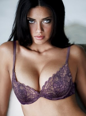 tiskinz: Adriana Lima Hot Photo imange